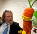 Jeff Bridges and veggie puppets